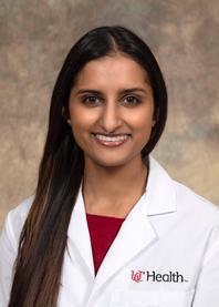 Photo of  Priya Farooq, MD, PGY 4